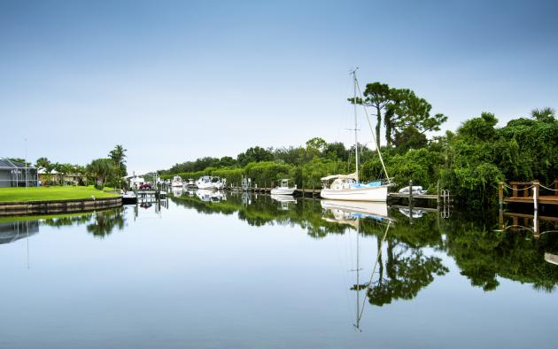 Waterway with boats in Fort Myers, Florida