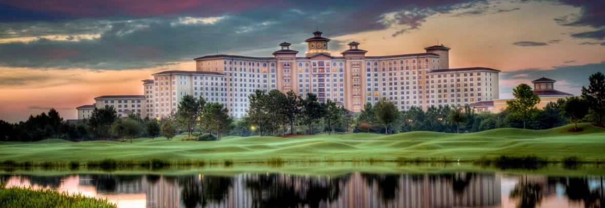 Exterior photo of Rosen Shingle Creek resort in Orlando